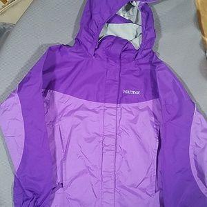 Girls medium Marmot rain coat purple.